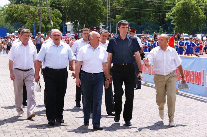 """У Росії чиновники """"сходили на стадіон"""" за допомогою фотошопу"""