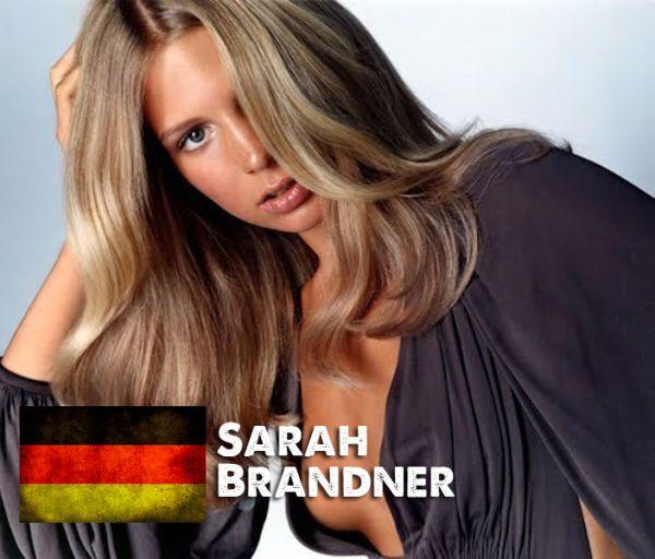 Сексуальные девушки футболистов с Евро-2012. Фото