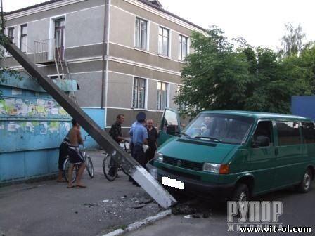 Пьяный священник устроил масштабное ДТП на Житомирщине. Фото