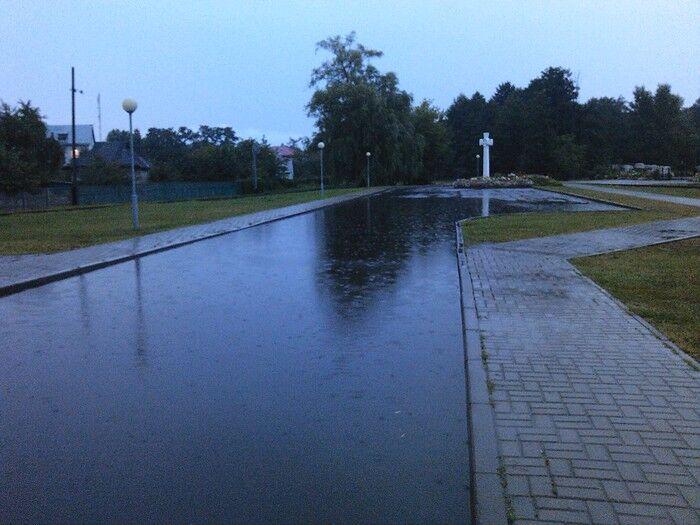 Потоп в Беларуси: людей спасали из автобусов на лодках