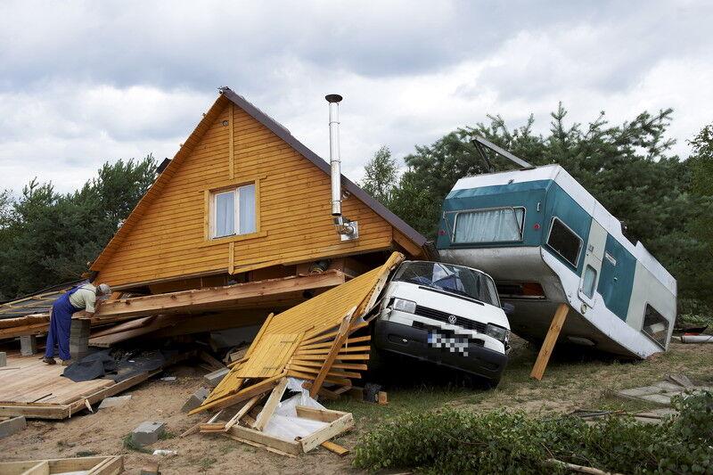 На Польшу обрушились торнадо