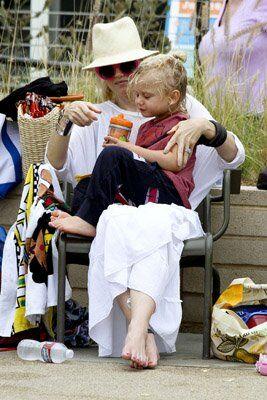 Гвен Стефани отвела Зуму на пляж. Фото