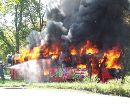 У Харкові згорів трамвай