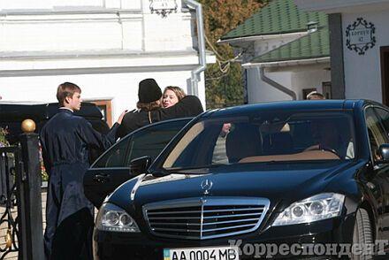 """Наместник Лавры просит Януковича обуздать """"безумных журналистов"""""""