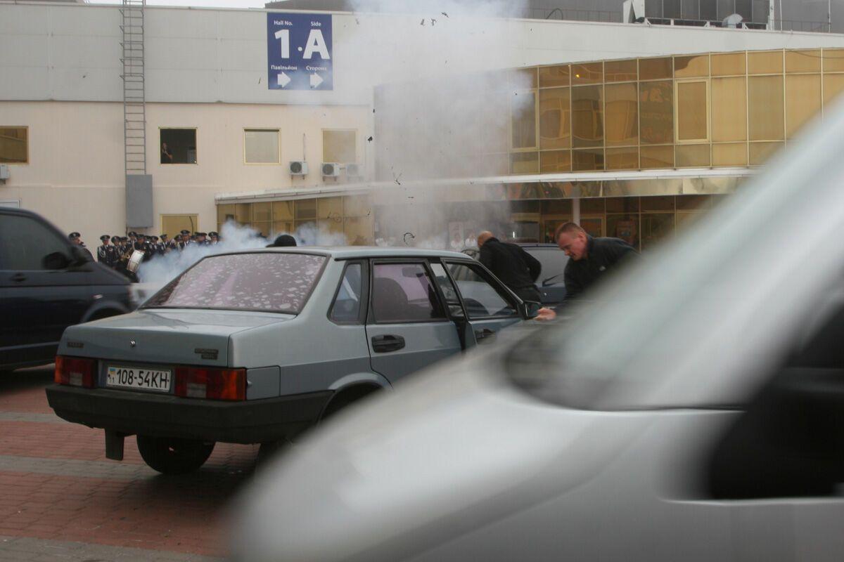 Около МВЦ прогремели взрывы