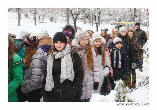 Українського Бібера ледь не розірвали фанатки. Фото
