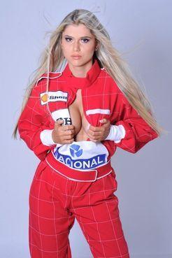 Женский секс-символ Формулы-1. Фото