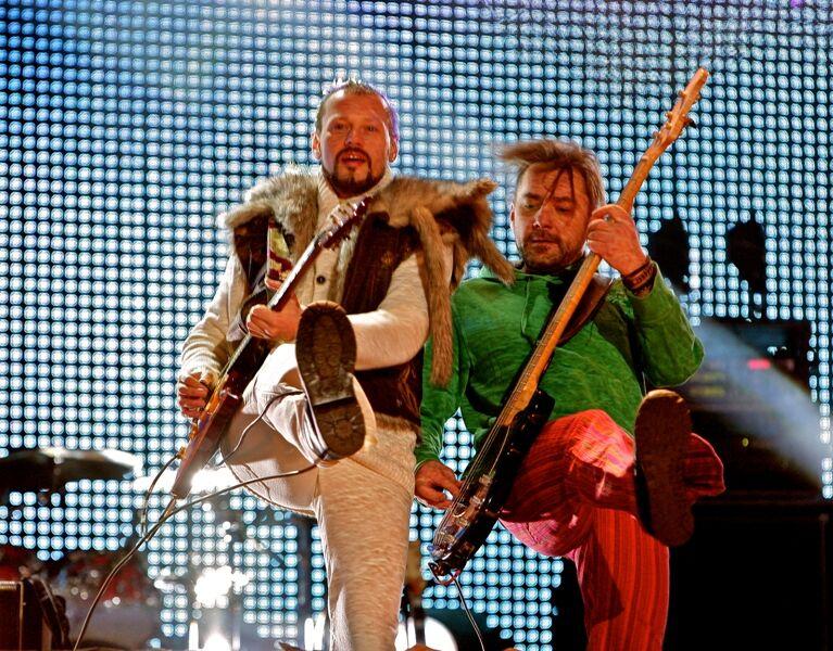 Скрипка разделся на сцене в новогоднюю ночь. Фото