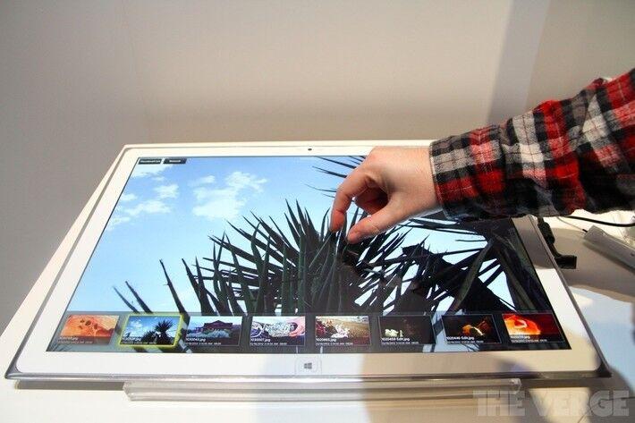Самый огромный планшет в мире фото