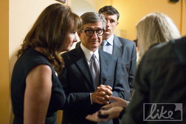 Попов и Тимошенко сходили на детский спектакль