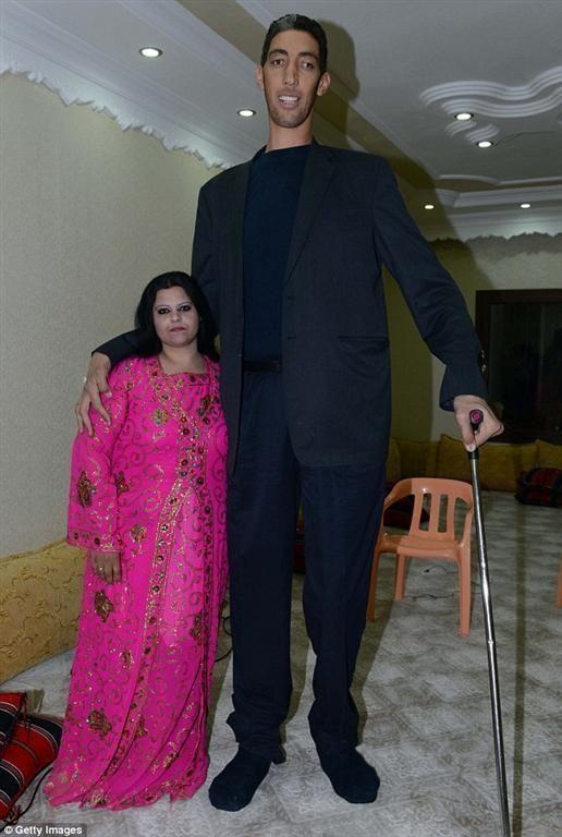 Самый высокий человек в мире обрел семейное счастье