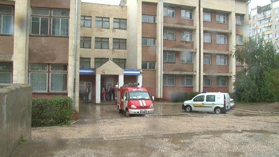"""Второклассник """"заминировал"""" школу в Симферополе"""