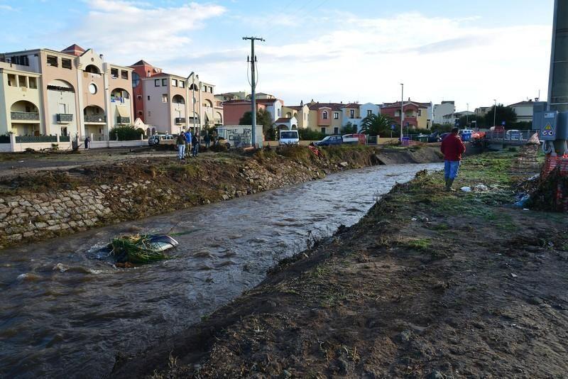 На Сардинии стихия оставила без жилья тысячи человек