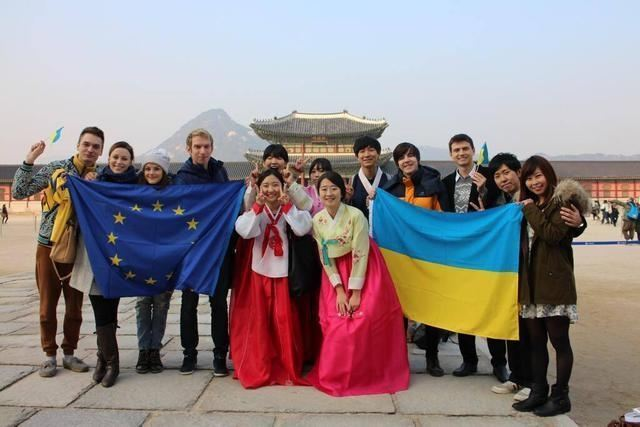 Евромайданы в поддержку Украины прошли в Польше, Индии и Южной Корее