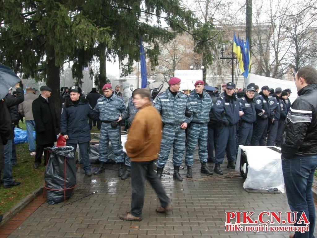 В Чернигове митингующий устроил самосожжение из-за сноса Евромайдана