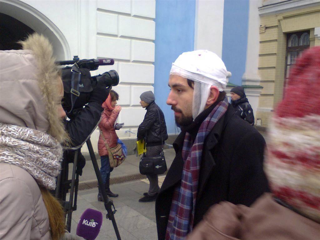 Евромайдан перешел на Михайловскую площадь