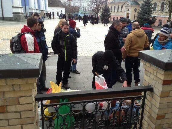 Евромайдан перебрался на Михайловскую площадь