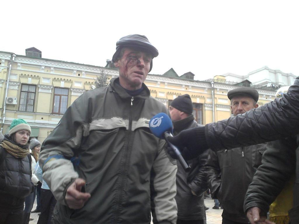 """После зачистки """"Беркута"""" на Евромайдане к врачам обратились 35 человек"""