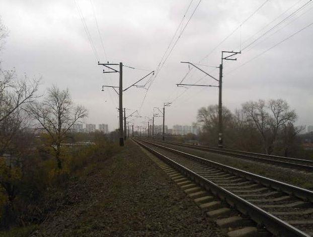 В Киеве поезд сбил насмерть парня в наушниках