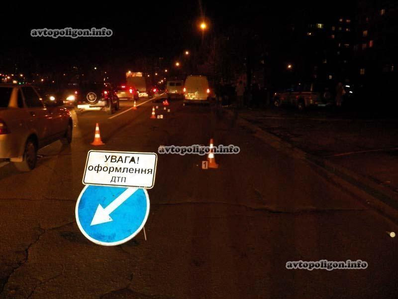 """В Киеве """"ГАЗель"""" сбила насмерть пешехода на зебре"""