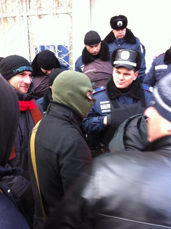 Нардеп Ильенко проводит агитацию под ОИК против Пилипишина