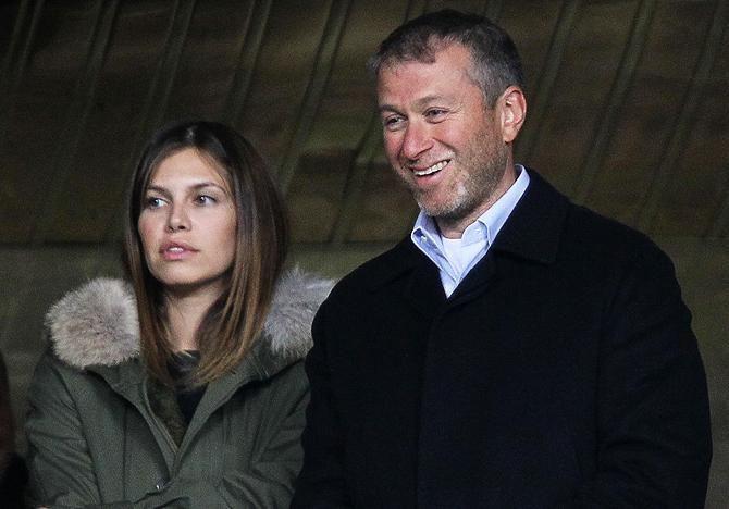Абрамович купив дружині на Новий рік співачку Адель