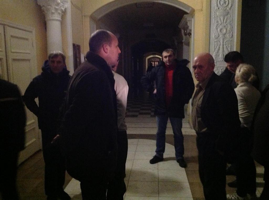 Митингующие заняли Октябрьский дворец в Киеве