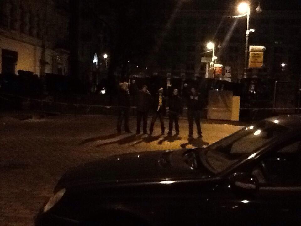 Руслана поставила свою машину перед баррикадами на Майдане. Фото