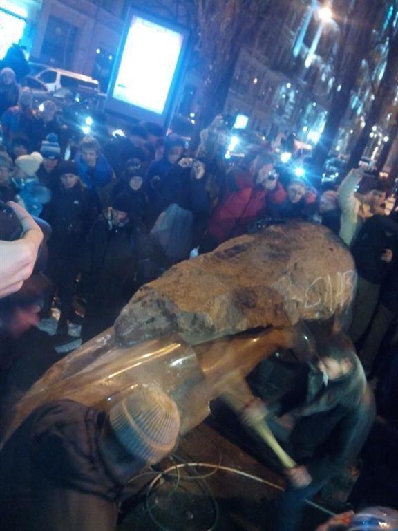 Как сносили памятник Ленину