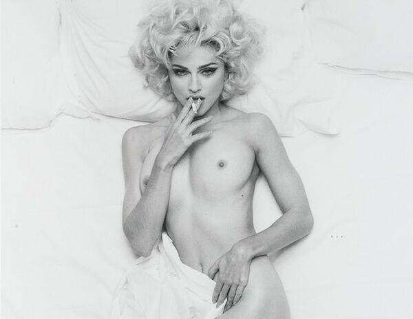 Мадонну хочуть видалити з Instagram за відверті знімки. Фото