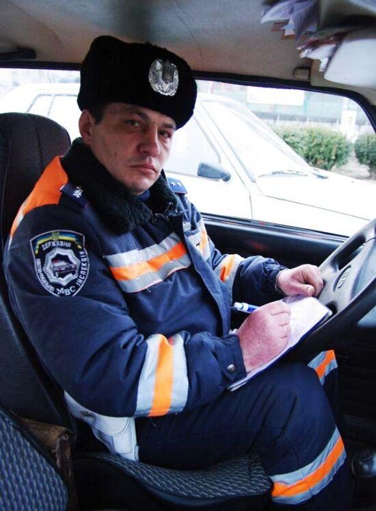 Одеський даішник читає правопорушникам вірші. Відео