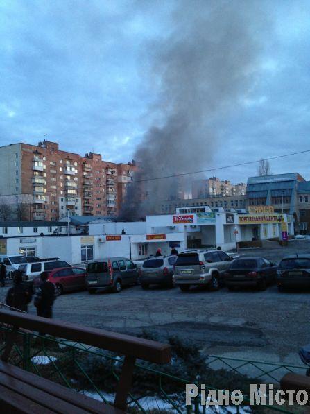 Пожар в Вышгороде: в химчистке едва не взорвались газовые баллоны