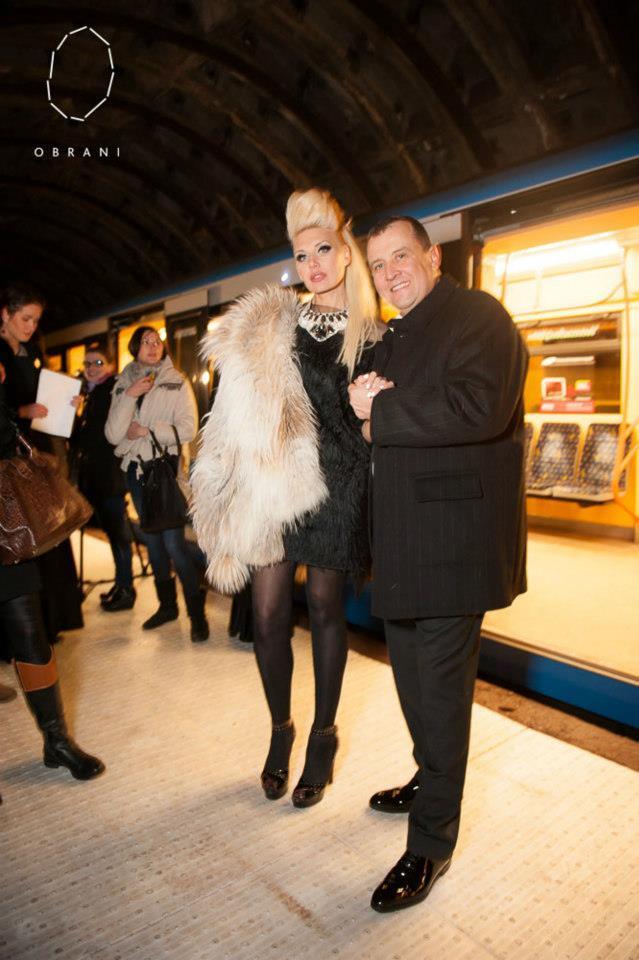 Дизайнер влаштувала ВІПам фешн-поїздку в метро. Фото