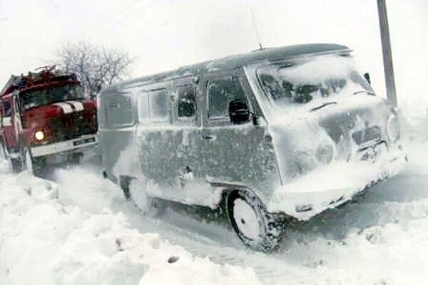 На Тернопольщине из снежных ловушек спасли 370 человек