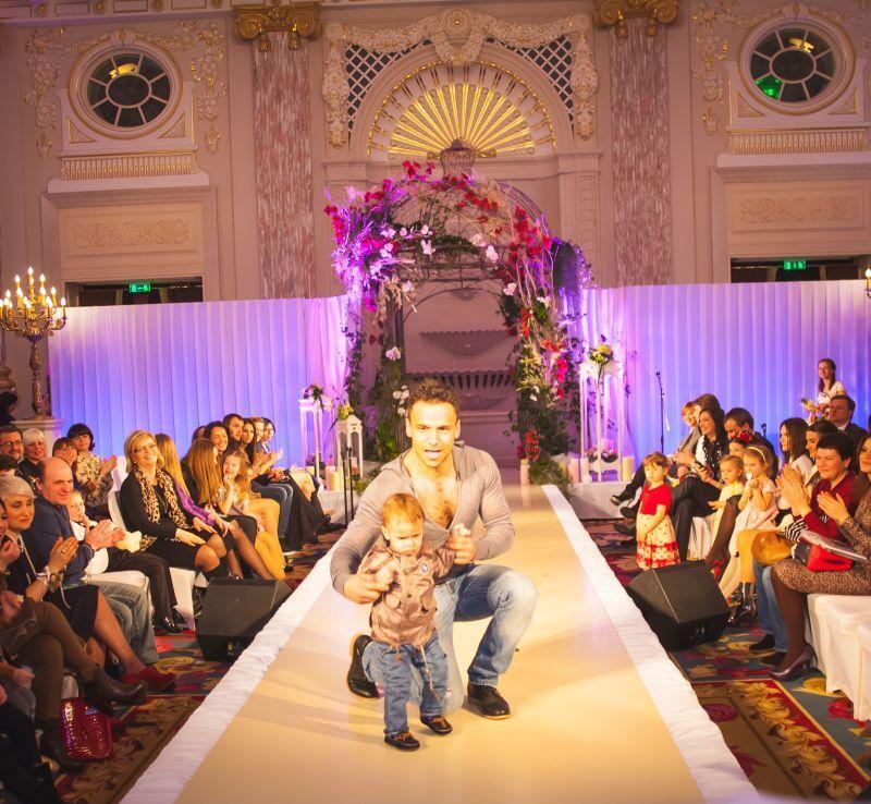 Селебрети вывели детей на VIP-подиум. Фото