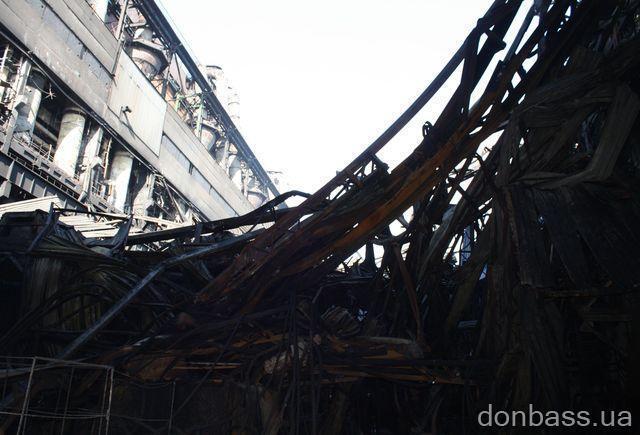 Углегорская ТЭС залита водой, а от огня расплавился металл