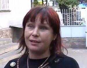 Мать Оксаны Макар хочет родить ребенка и снова просит денег