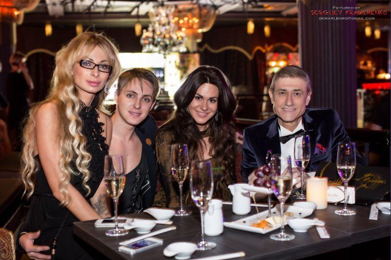 Литвинов подарував дружині на 8 Березня ... фестиваль