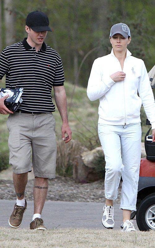 Джастин Тимберлейк и Джессика Бил играют в гольф вместе