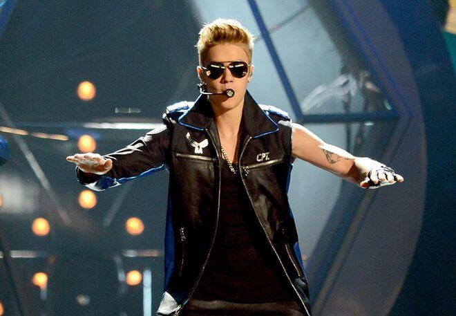 "Звезды устроили грандиозное шоу на ""Billboard Music Awards-2013"""