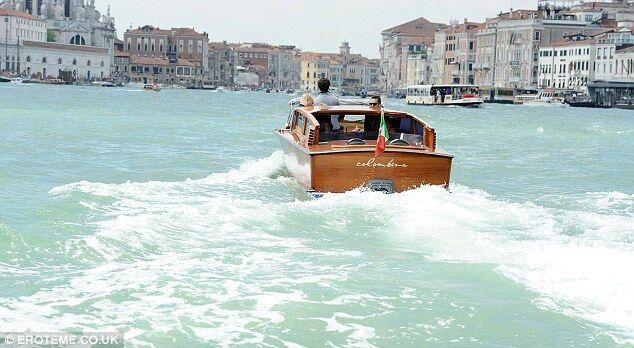Младший сын Элтона Джона впервые увидел Венецию