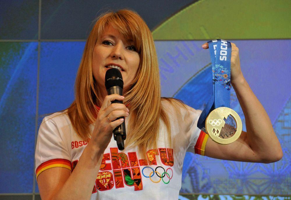 Организаторы показали медали Сочи-2014. Фото