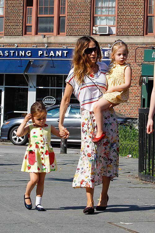 Дочь Сары Джессики Паркер забыла надеть второй носок