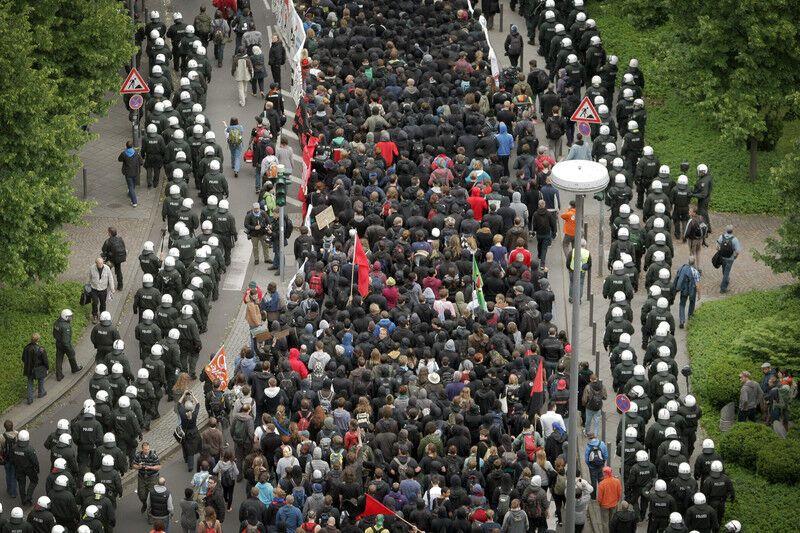 Шествие антиглобалистов в Германии: тысяча задержанных