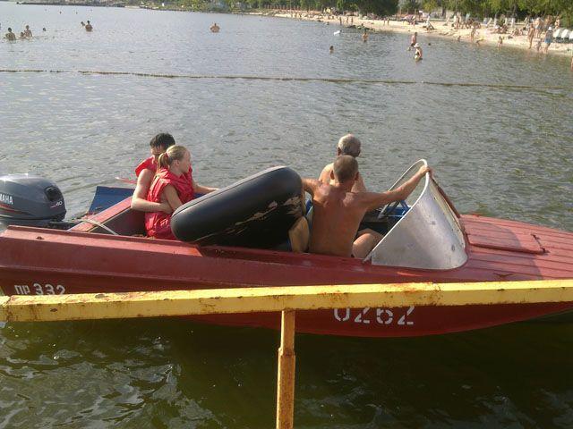 На Николаевщине парня и девушку на матрасе унесло в открытое море