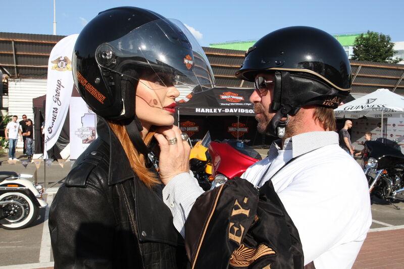 Пікалов та Добриднева прокотилися на новому Harley-Davidson
