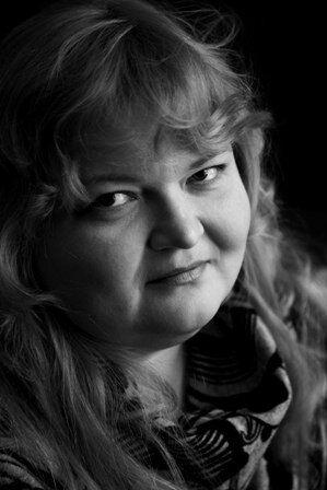 """""""Білява бестія"""" з Росії підірвала Інтернет своїми віршами"""