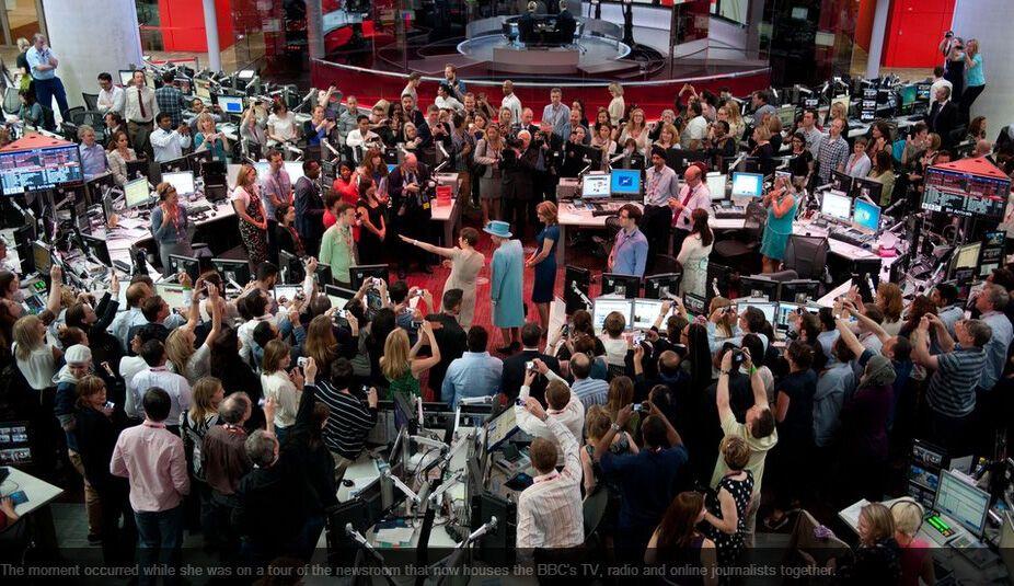 Елизавета II неожиданно появилась в прямом эфире BBC