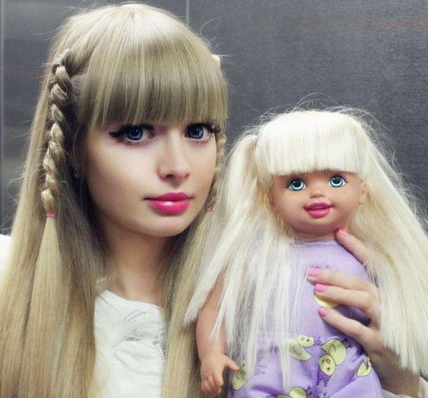 В Москве появилась новая девушка-Барби