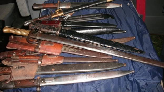 На Прикарпатті затримали торговця зброєю